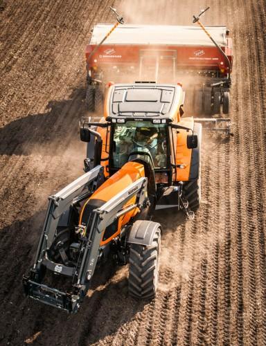 Traktorikaupan nälkävuosi