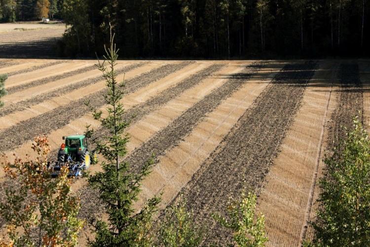 Maatalouselektroniikka pääsemässä karkuun
