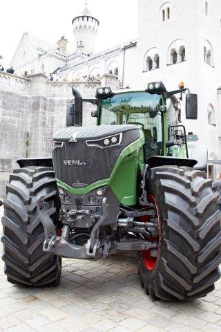 Isoilla traktoreilla vakaa kysyntä