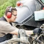 Parhaimmillaan kuulonsuojaimet vaimentavat melua riittävästi ilman, että ne eristävät käyttäjänsä ympäristöstä. Olisi tärkeää, että suojaimien käyttäjä kykenee kuulemaan esimerkiksi varoitushuudot.