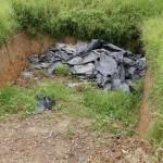 Säilörehusiilo on maahan kaivettu kuoppa, joka peitetään muovilla. Lehmät saavat säilörehua kuivalla kaudella.